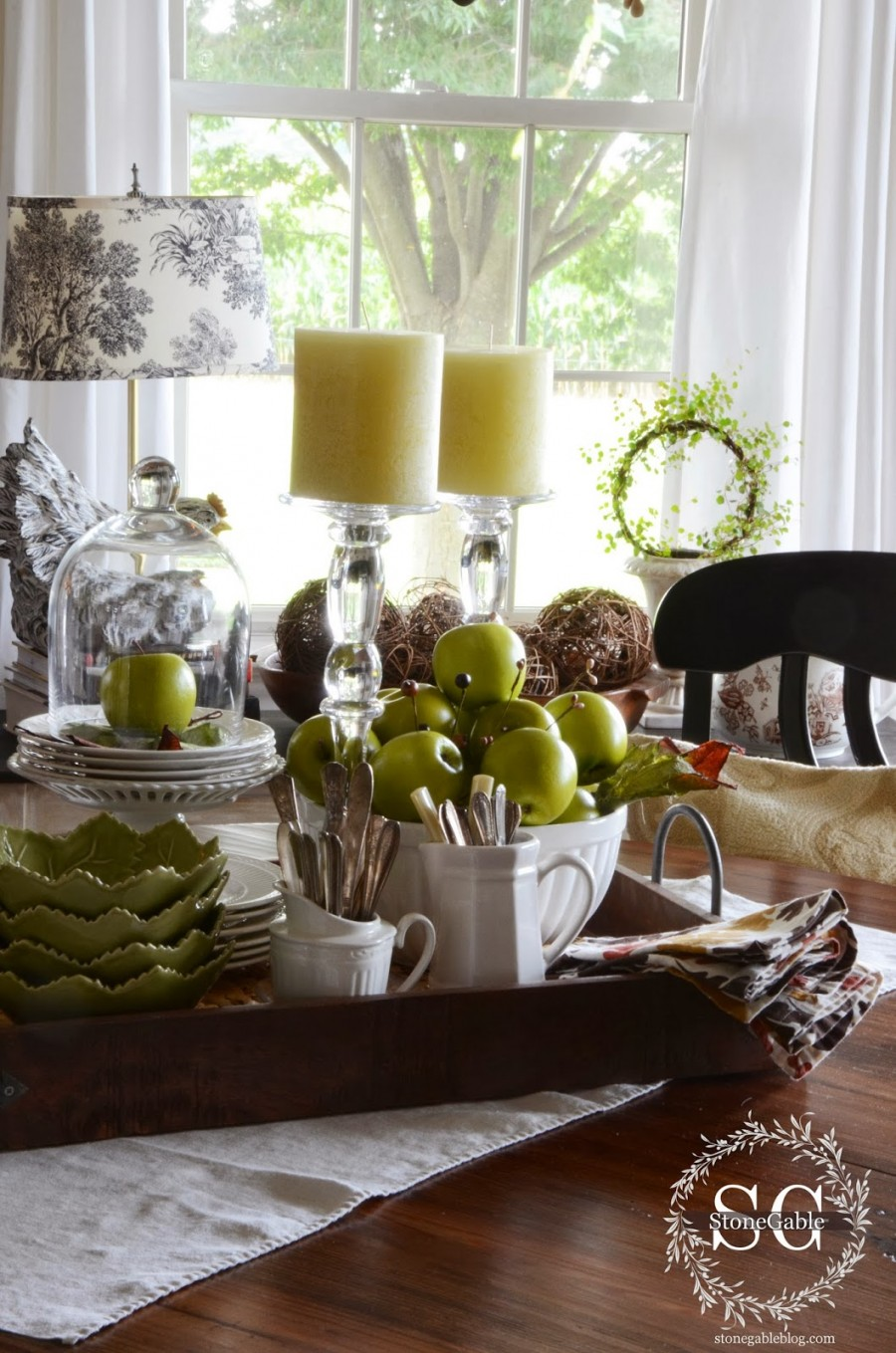 6 Tips For Creating A Kitchen Table Vignette