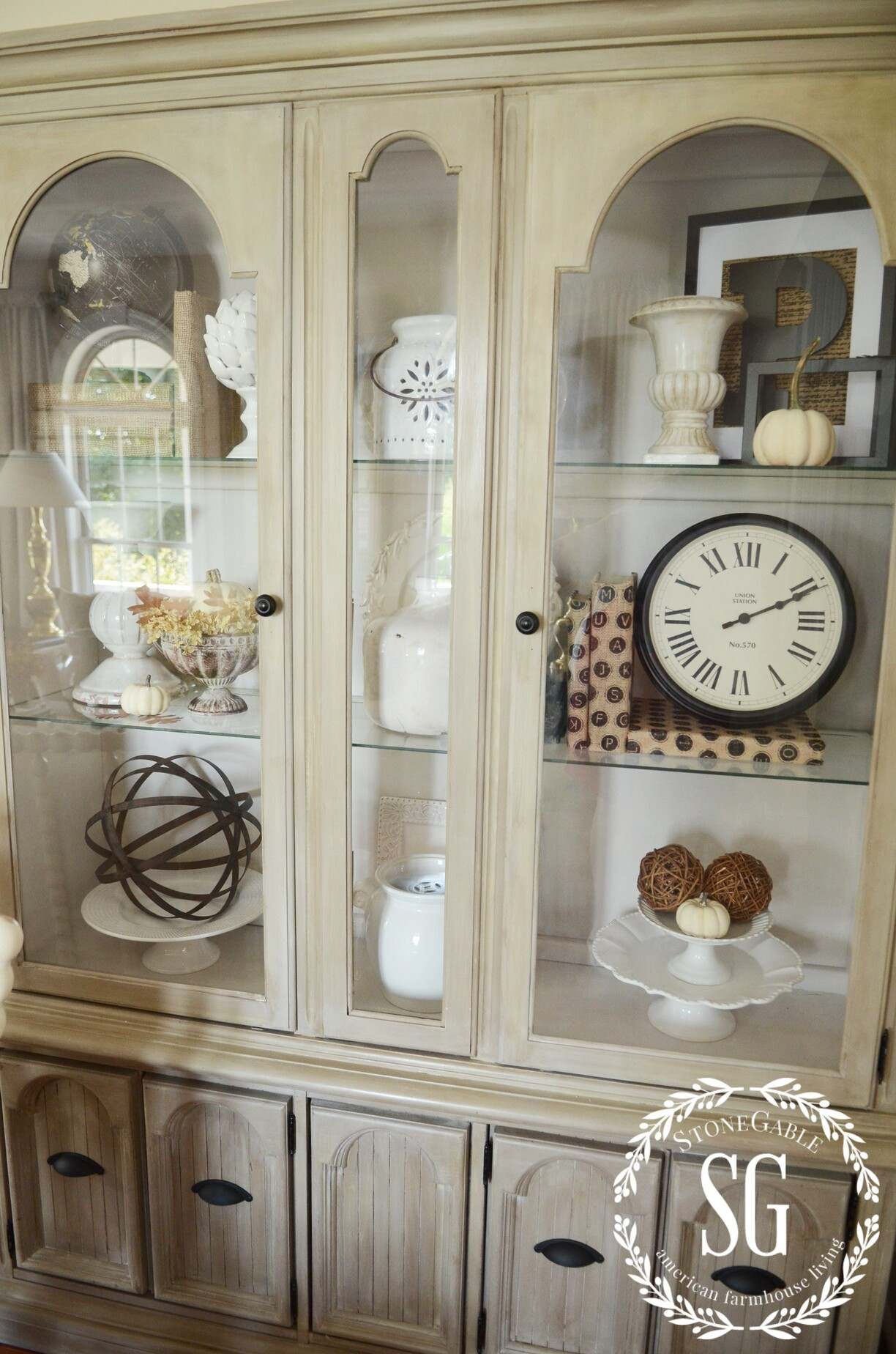 5 easy tips to style a hutch stonegable rh stonegableblog com
