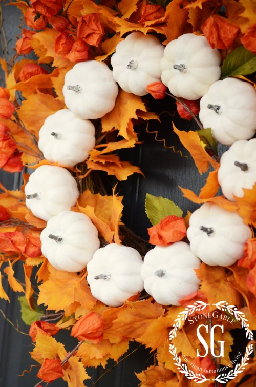 White Pumpkin Fall Wreath-side view of pumpkins-stonegableblog.com