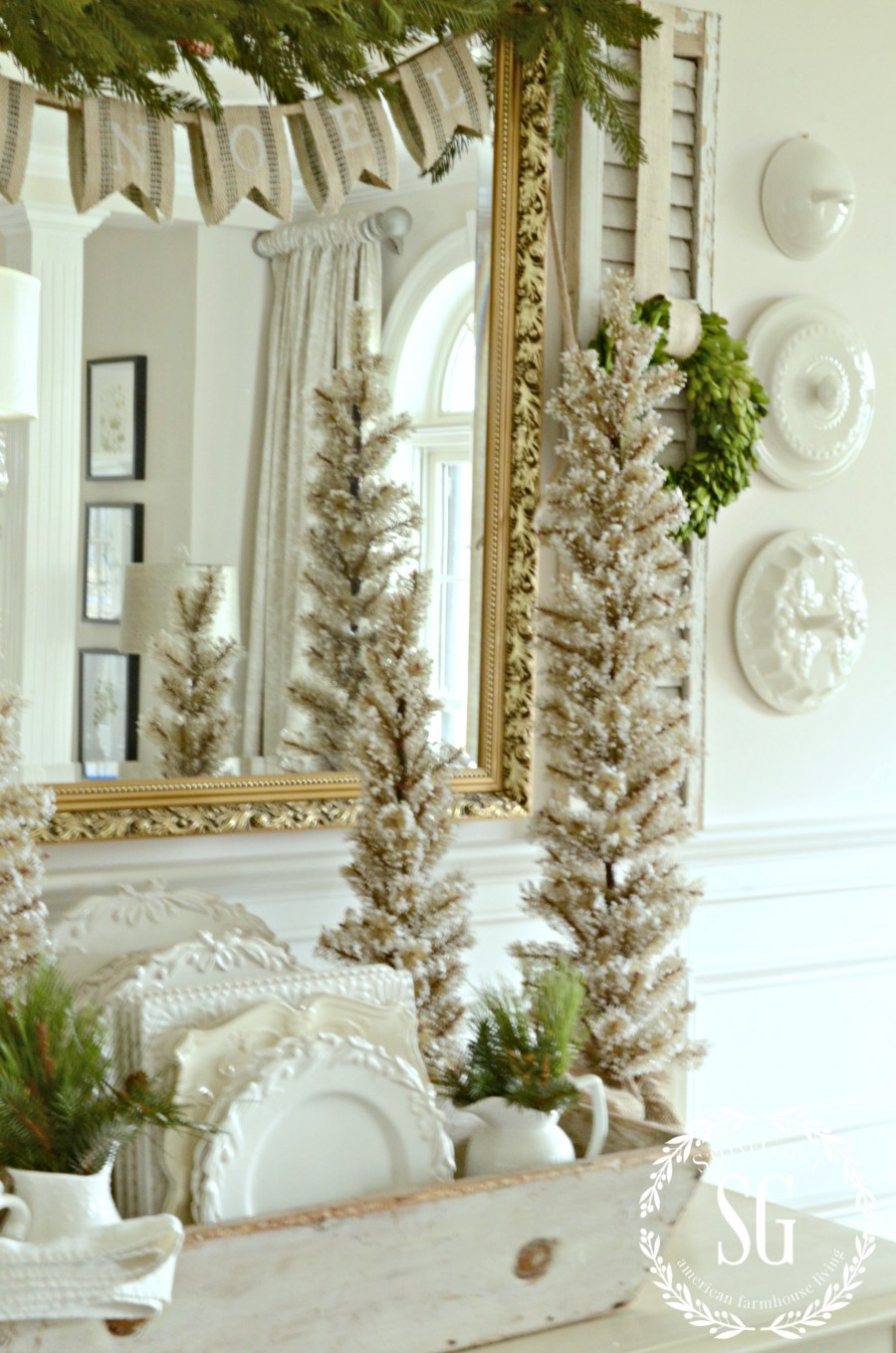 How to fake a french country christmas look stonegable for A christmas decoration