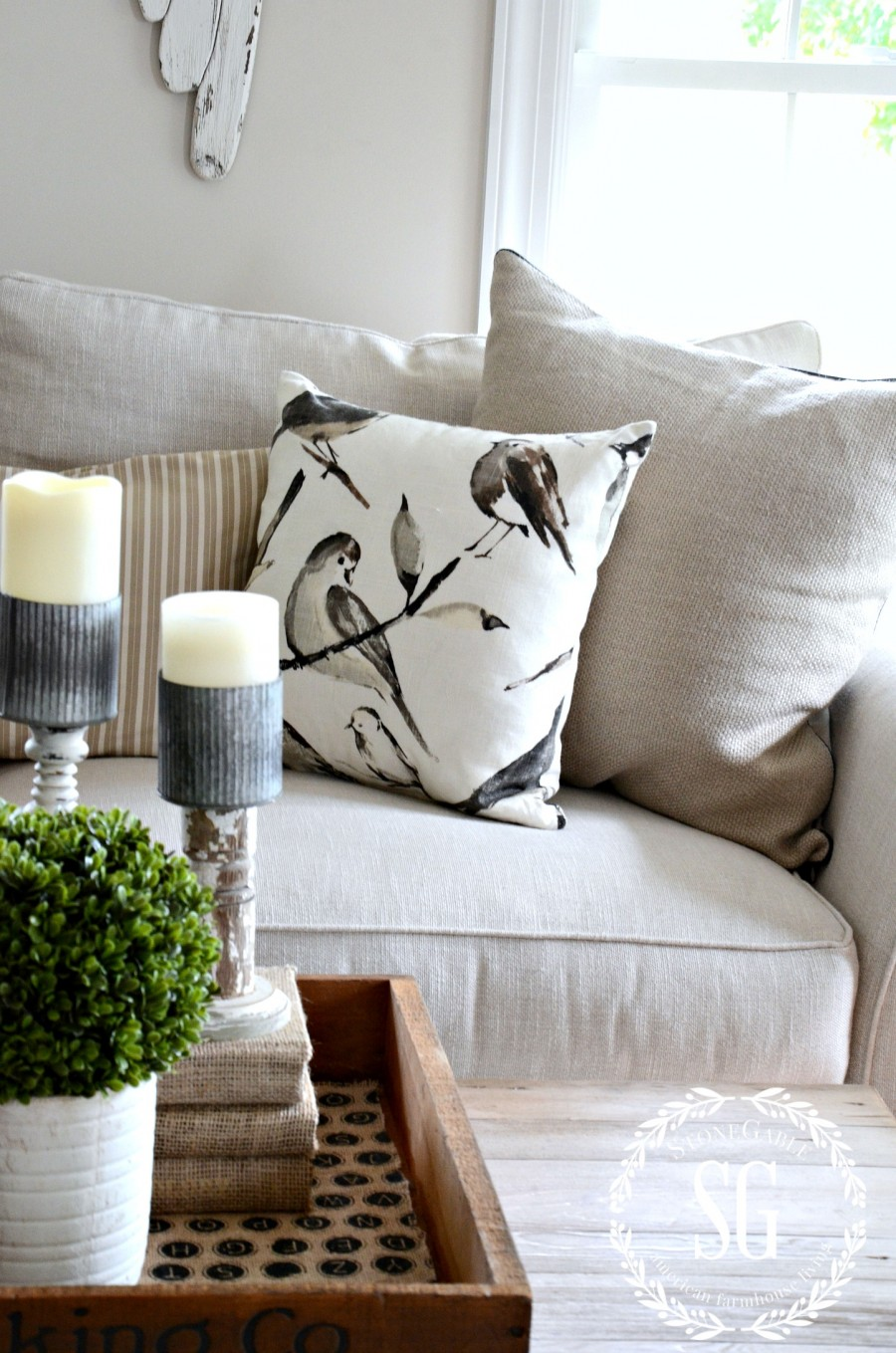 5 INEXPENSIVE WAYS TO REFRESH YOUR LIVING ROOM- Change up pillows-stonegableblog.com