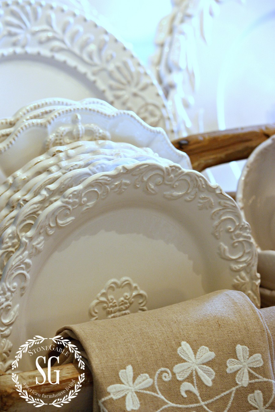 WHITE DISHES FARMHOUSE STYLE