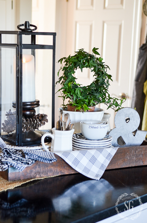 Creating A Kitchen Island: 6 TIPS FOR CREATING A WINTER VIGNETTE ON YOUR KITCHEN
