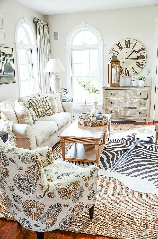 How To Layer Rugs Like A Pro Stonegable