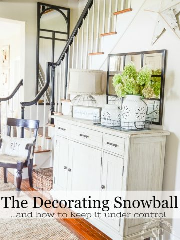 THE DECORATING SNOWBALL