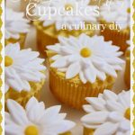 Daisy+Fondant+Cupcakes-stonegableblog.com_