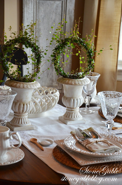 Formula for setting a casual table stonegable for Casual dining table centerpieces