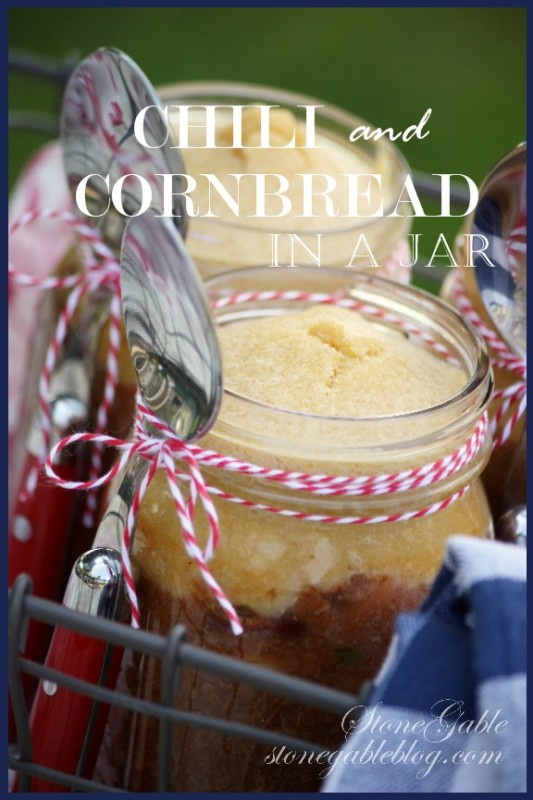 CHILI AND CORNBREAD IN A JAR- A really fun way to serve an All-American classic recipe!-stonegableblog.com