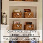 Organizing+The+Bookshelves-stonegableblog