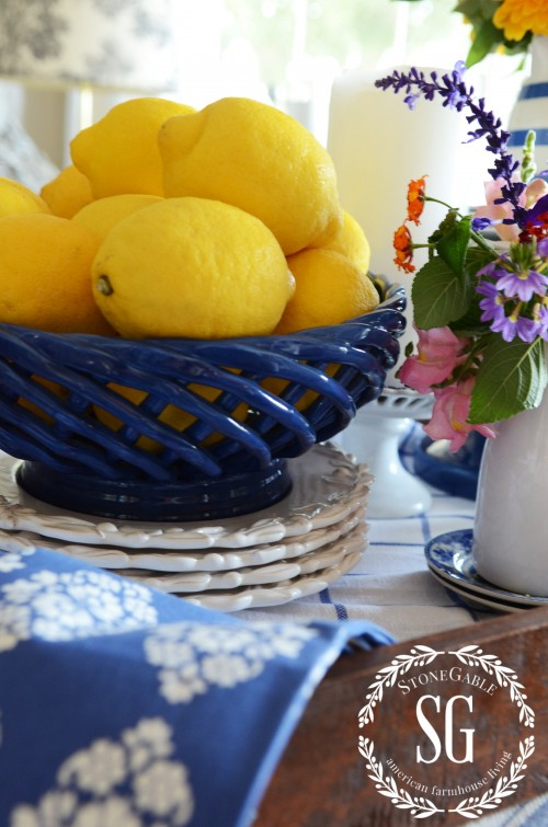 farmhouse-table-vignette-late summer-blue bowl-yellow lemons-stonegableblog.com