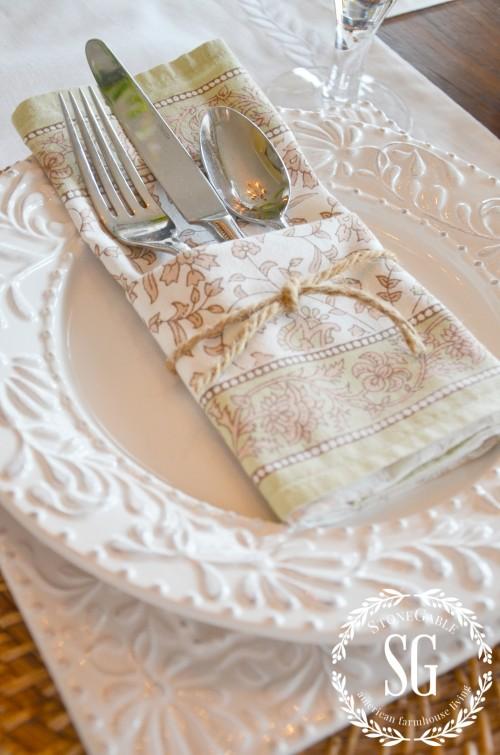 easy napkin fold-pocket-stonegableblog.com
