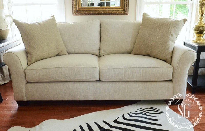 Awe Inspiring 5 No Fail Tips For Arranging Pillows Stonegable Pdpeps Interior Chair Design Pdpepsorg