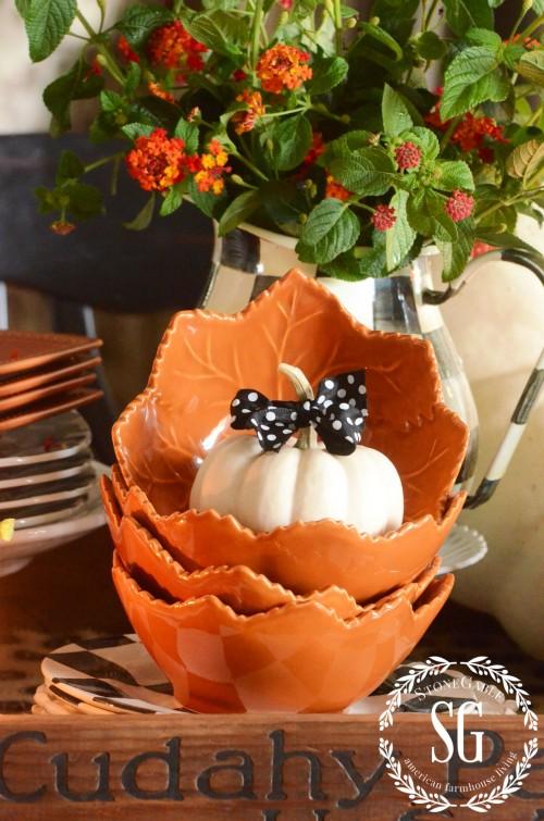 FALL KITCHEN TABLE VIGNETTE-orange-leaf-bowl-stonegableblog.com