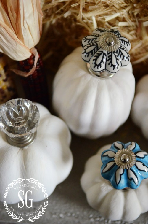 KNOB TOP PUMPKINS-fun knobs-stonegableblog.com