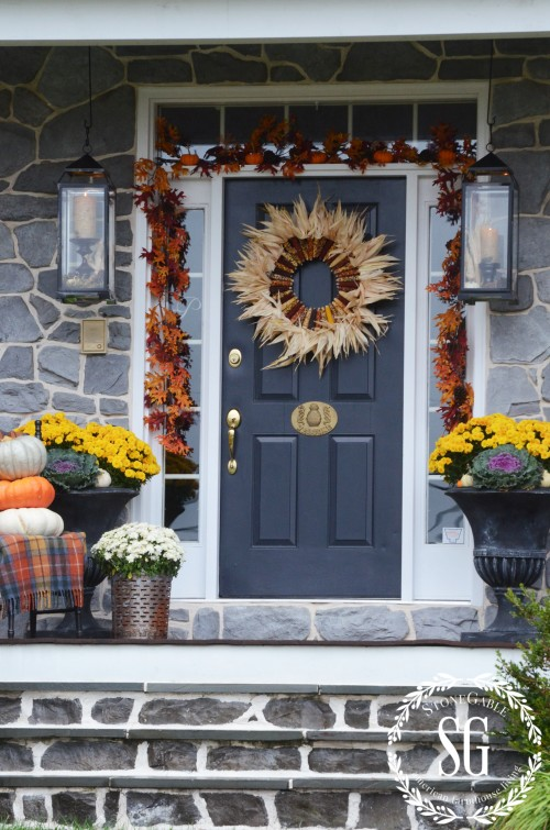FALL FRONT PORCH-leaves-garland-stonegableblog.com