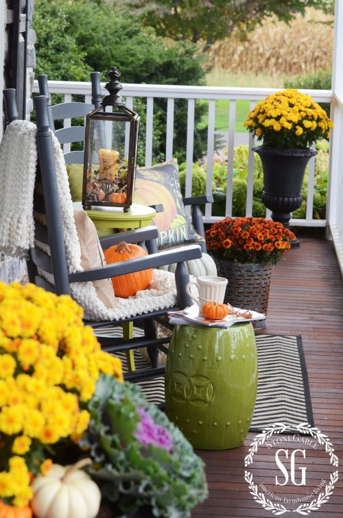 FALL ROCKING CHAIR VIGNETTE-mums-stonegableblog.com