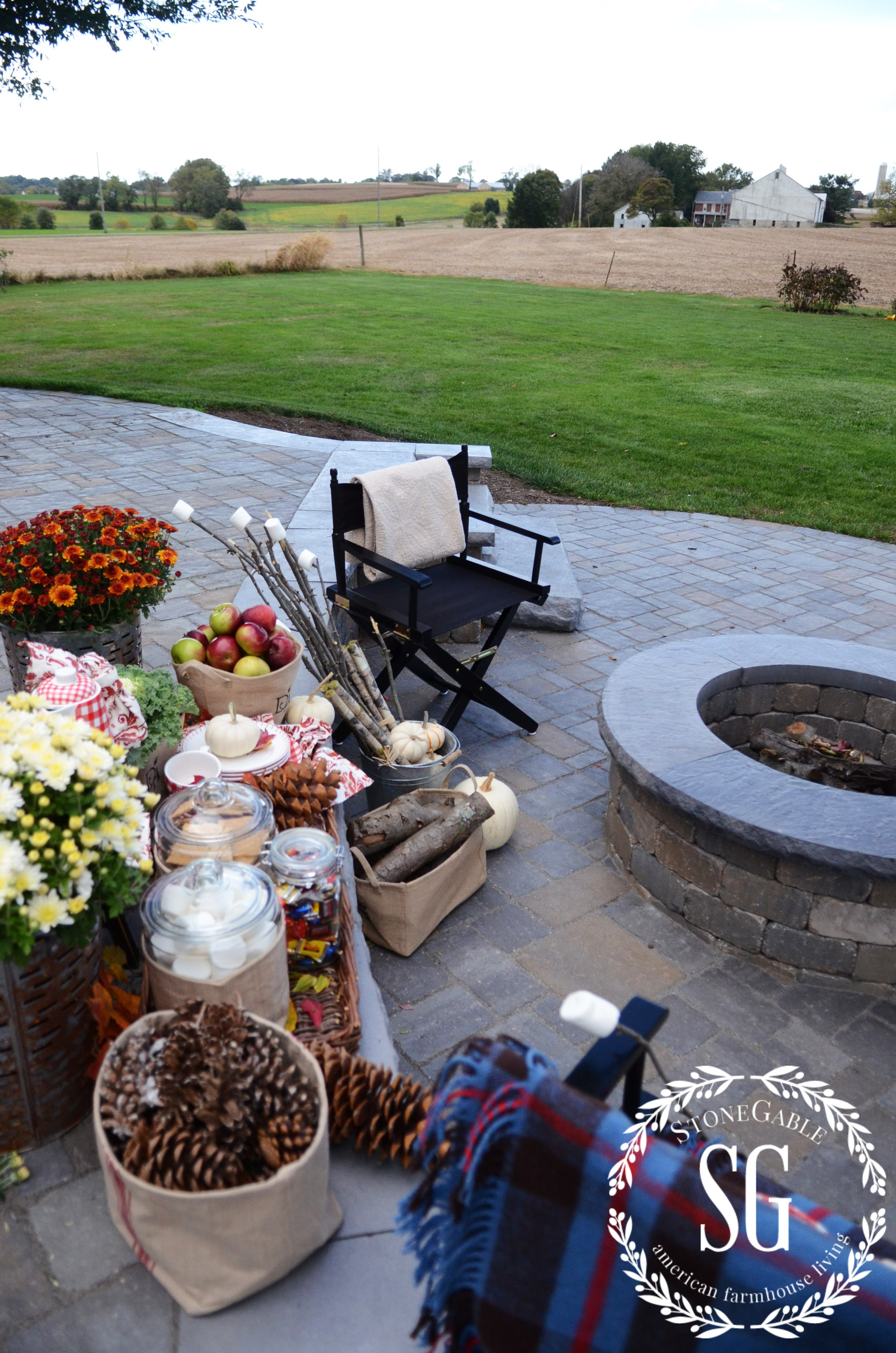 S More Bar At The Fire Pit Stonegable