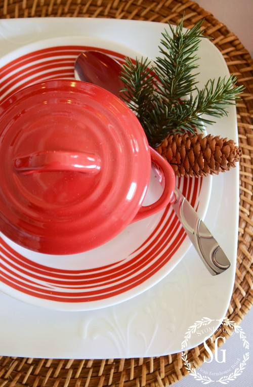 WOODLAND CHRISTMAS TABLESCAPE-close up-red-crock-stonegableblog.com