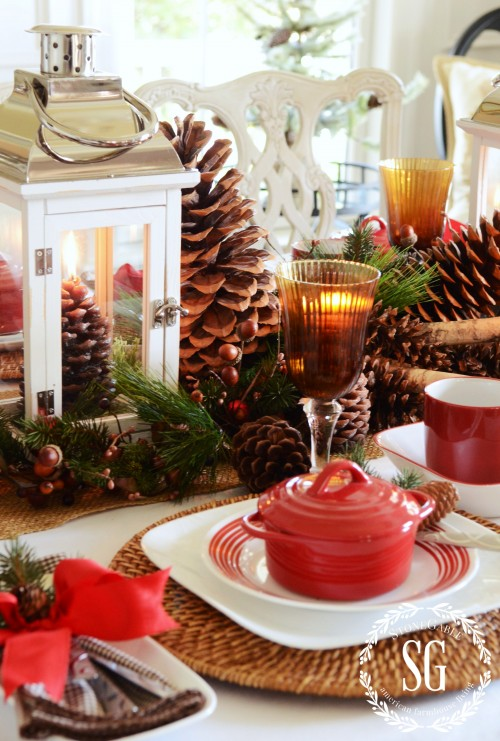 WOODLAND CHRISTMAS TABLESCAPE-pinecones on table-stonegableblog.com