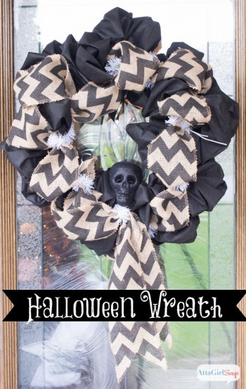pinnable-Halloween-fabric-and-burlap-wreath-3
