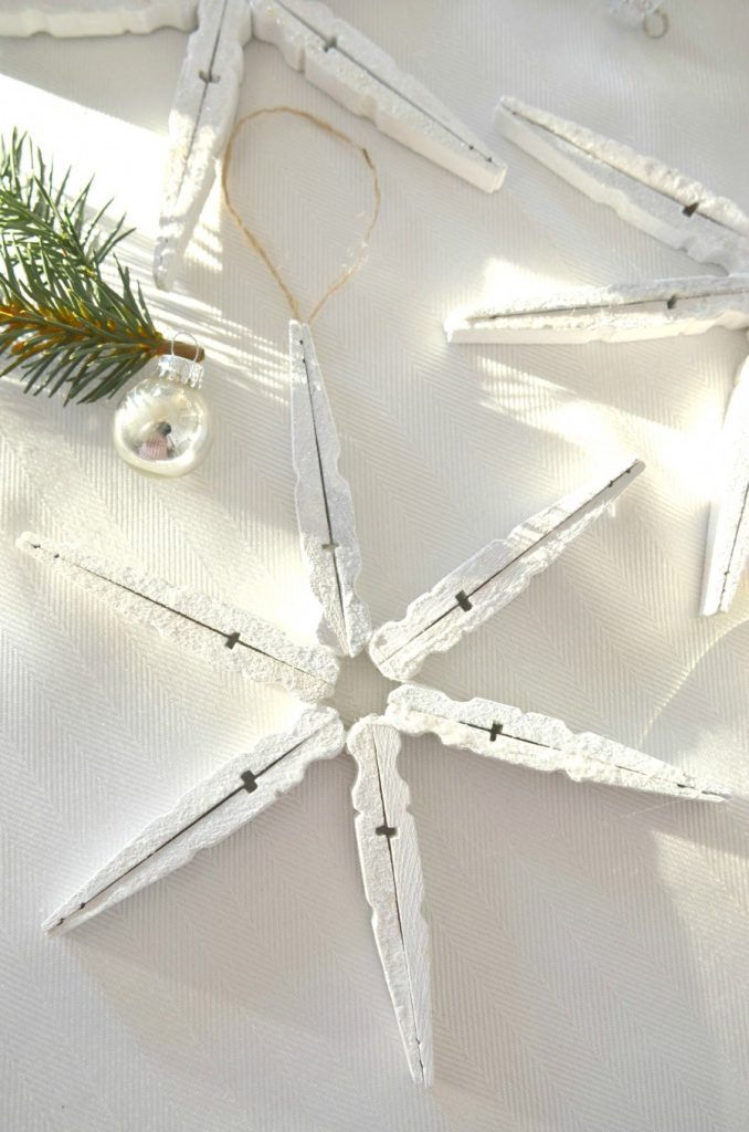 CLOTHESIN SNOWFLAKES-with glitter-and hanger-stonegableblog.com