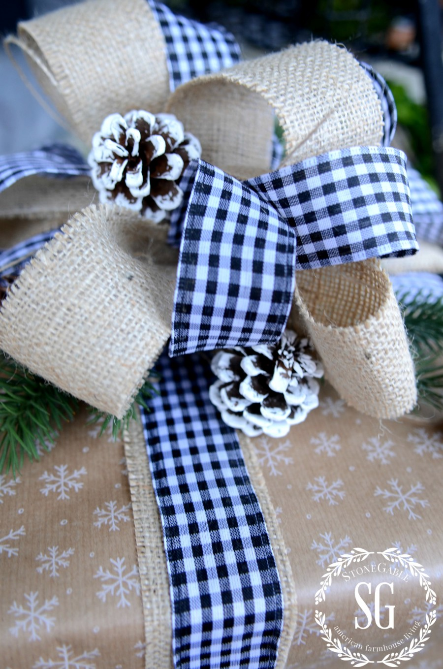 CHRISTMAS GIFT WRAP-big burlap bow-stonegableblog.com