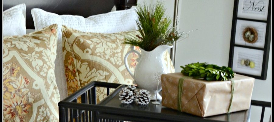 5 EASY TIPS FOR KEEPING GUEST ROOMS AND BATHROOMS CLEAN DURING THE HOLIDAYS