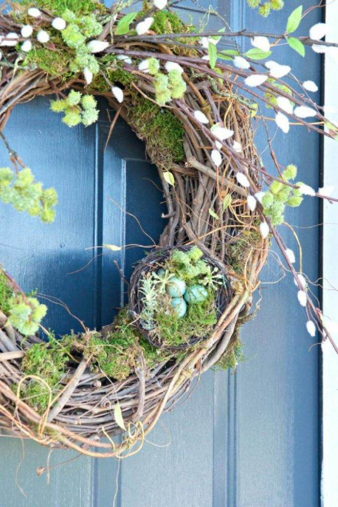 BRAMBLY SPRING WREATH ON A BLUE DOOR