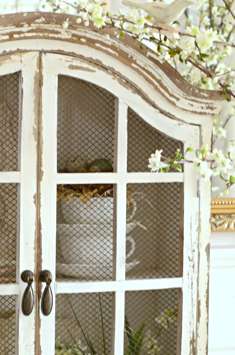 DECOR STEAL WHITE HUTCH- beautiful chippy doors-wire front-stonegableblog.com