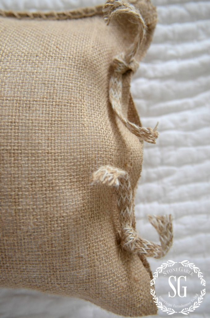 MR AND MRS NO-SEW BURLAP PILLOWS-tie closures-stonegableblog.com