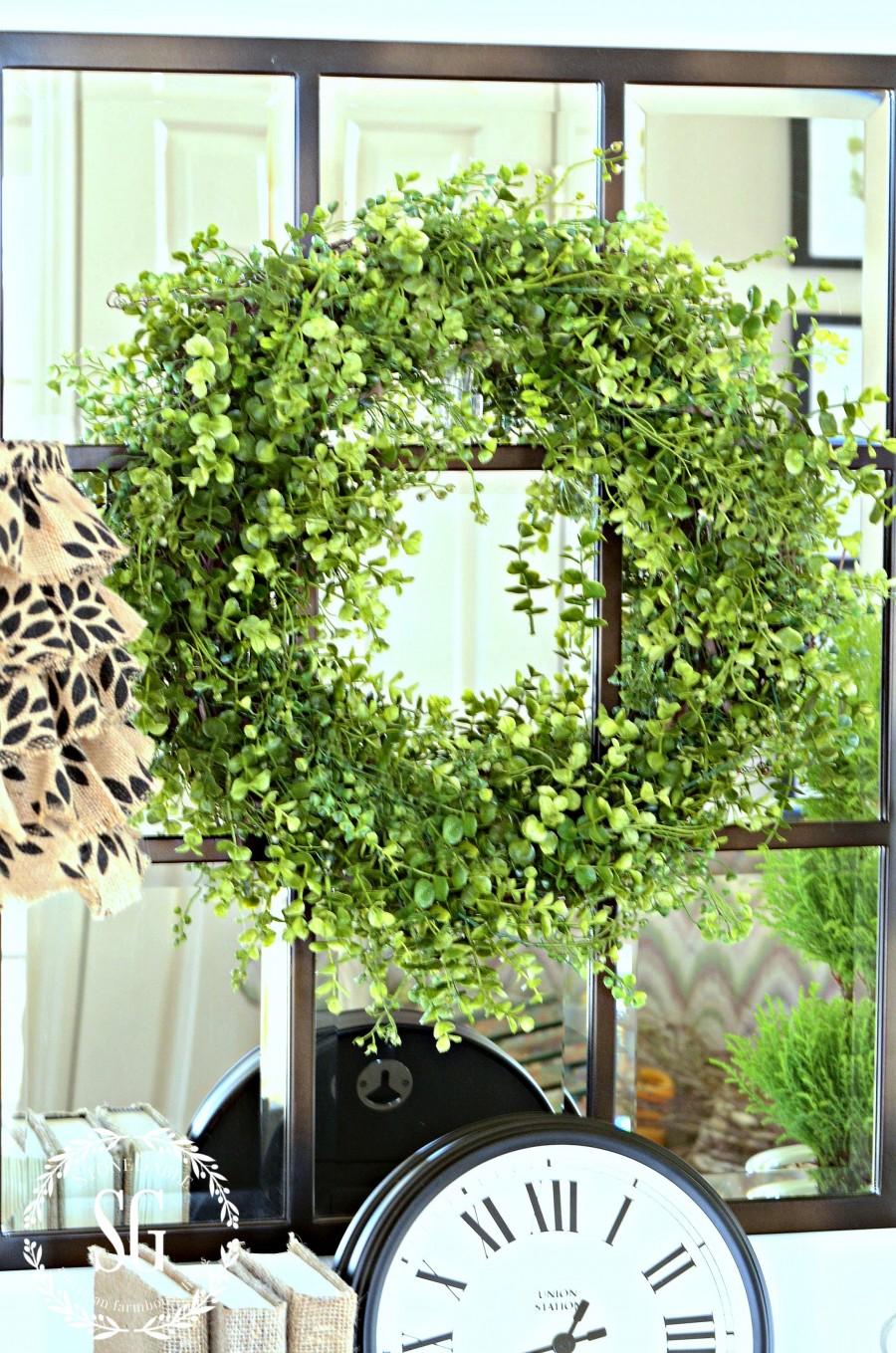 BOXWOOD WREATH IN THE FOYER-wreath in foyer-stonegableblog.com