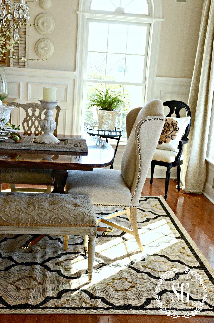 NEW DINING ROOM RUG-adding black accent color-stonegableblog.com