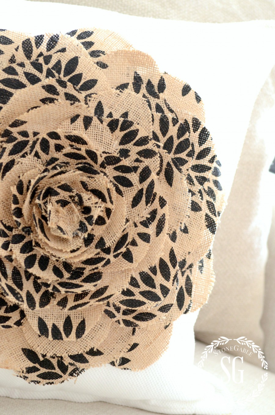 NO SEW BURLAP FLOWER PILLOW-easy to make-no sew pillow-stonegableblog.com