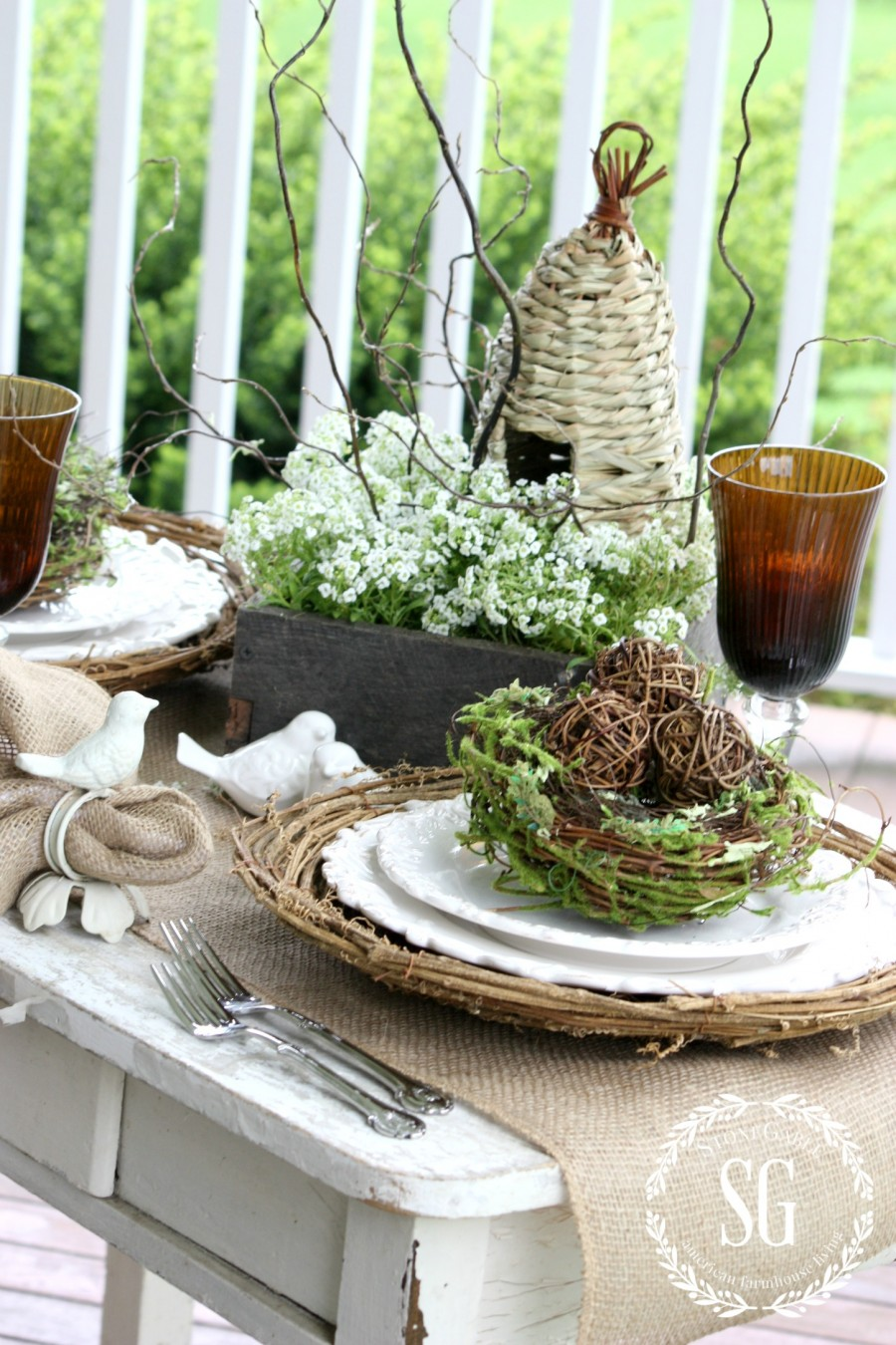 5 EASY TIPS FOR SETTING AN ORGANIC TABLE- Organic spring tablescape-stonegableblog.com