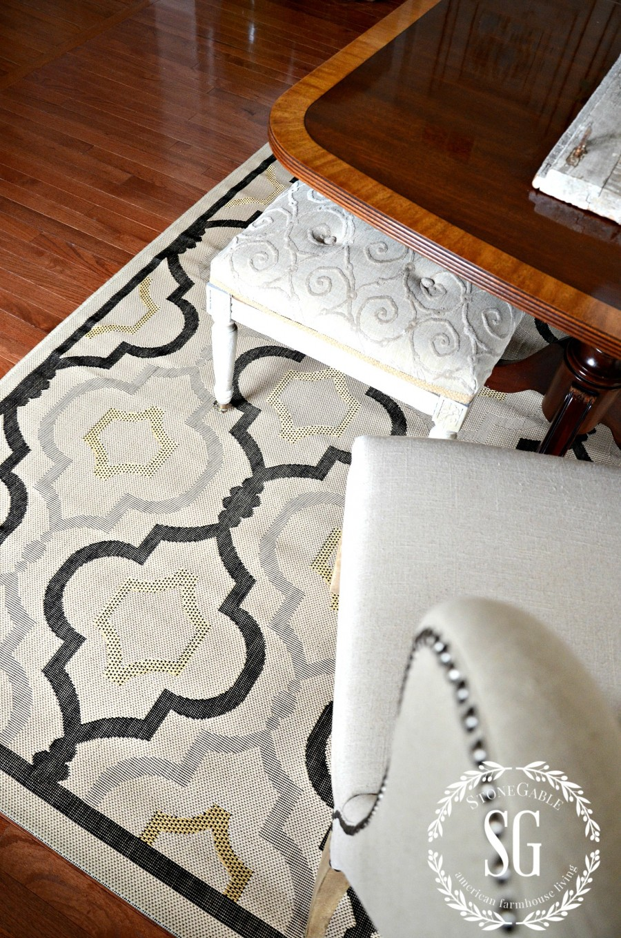 5 RULES FOR CHOOSING THE PERFECT DINING ROOM RUG-chosing a low nap rug-stonegableblog.com