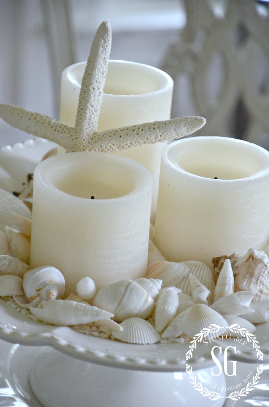 10 MINUTE SUMMER DECORATING-shells on pedestal-stonegableblog.com