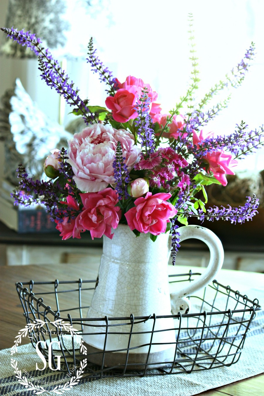 TIPS FOR ARRANGING GARDEN FLOWERS-arrange in a pyramid shape-stonegableblog.com