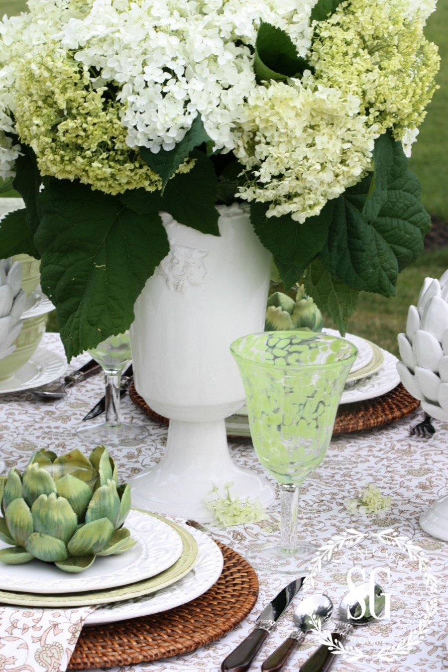 TIPS FOR EASY SUMMER TABLESCAPING-Easy summer tablescape-stonegableblog.com