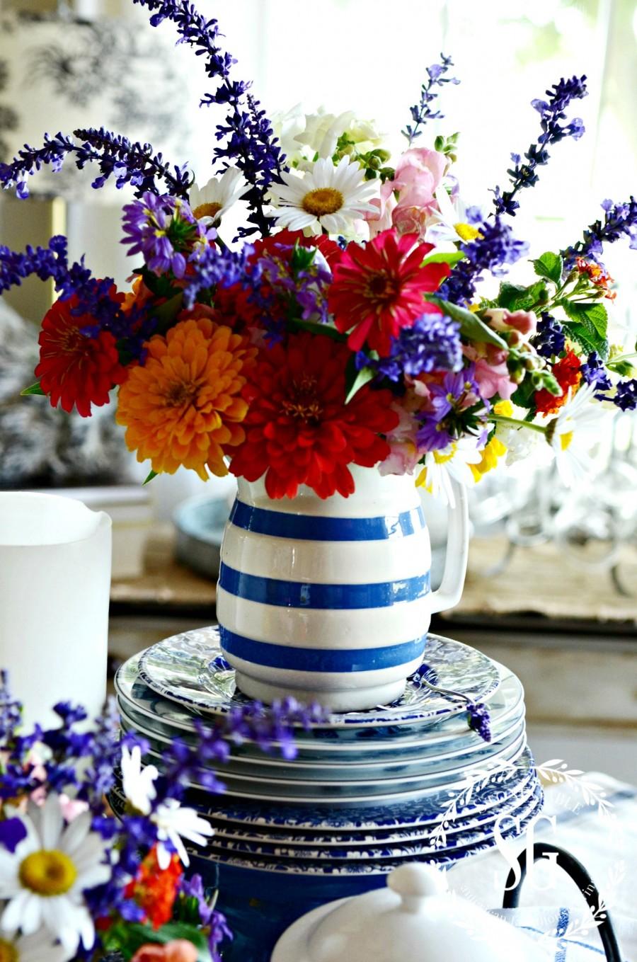 TIPS FOR EASY SUMMER TABLESCAPING-summer flowers-stonegableblog.com