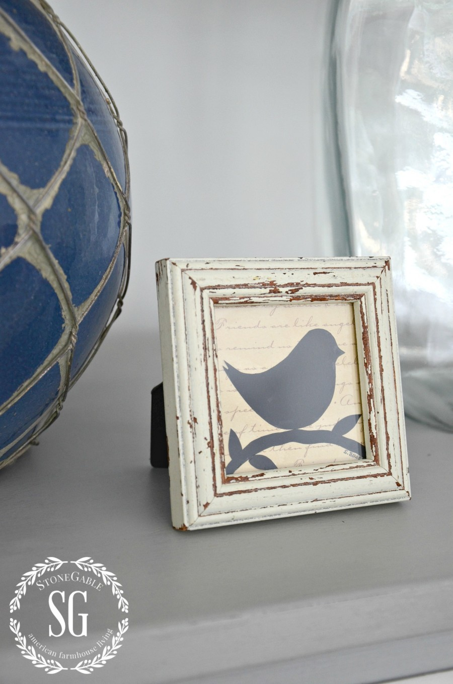 BLUE AND WHITE GUEST ROOM-bird picture-stonegableblog.com