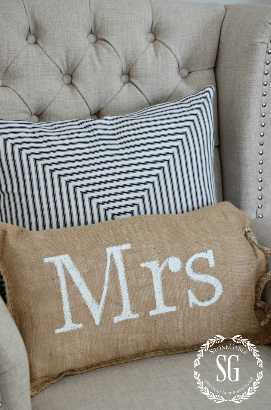 BLUE AND WHITE GUEST ROOM-pillows in chair-stonegableblog.com