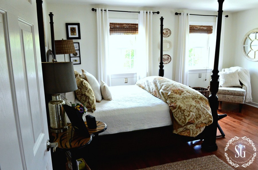HOW TO CLEAN YOU HOME IN 30 MINUTES A DAY! cleaning the bedrooms-stonegableblog.com