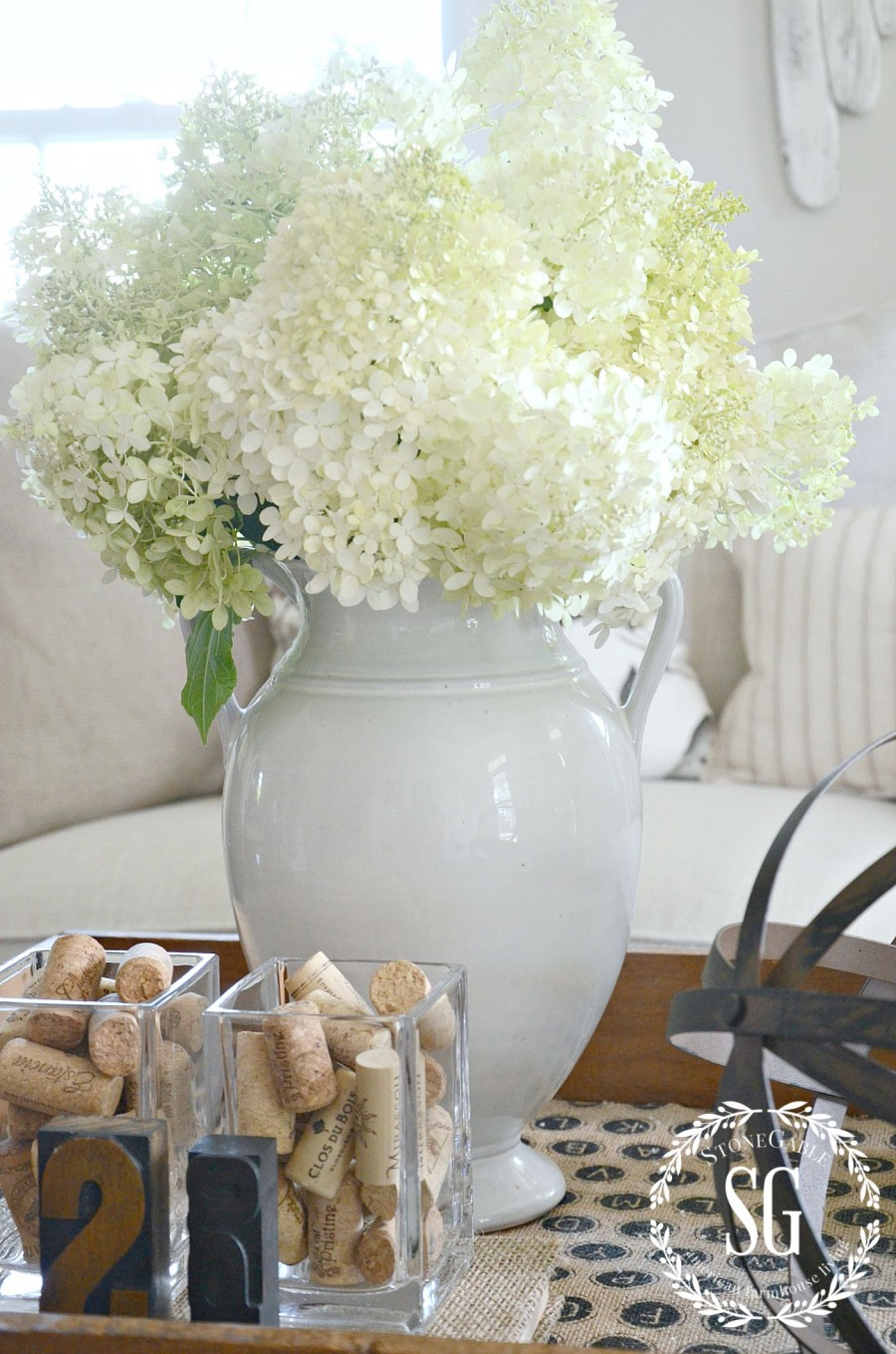 HOW TO CREATE A TRANSITIONAL VIGNETTE-white hydrangeas in a white vase- stonegableblog.com