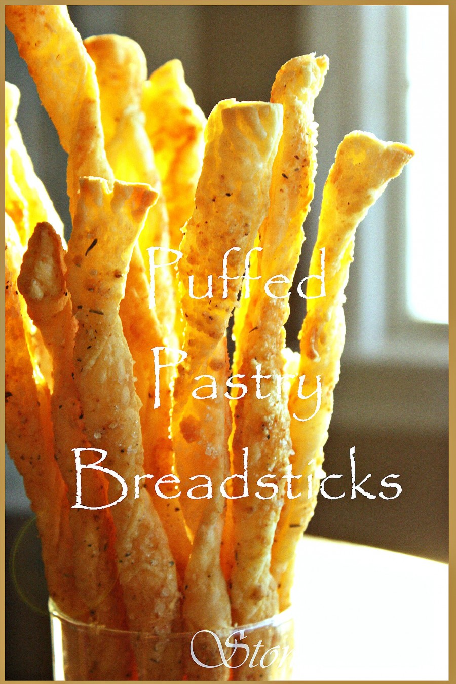 PUFF PASTRY PARMESAN BREADSTICKS- So delicous and so easy to make! stonegableblog.com