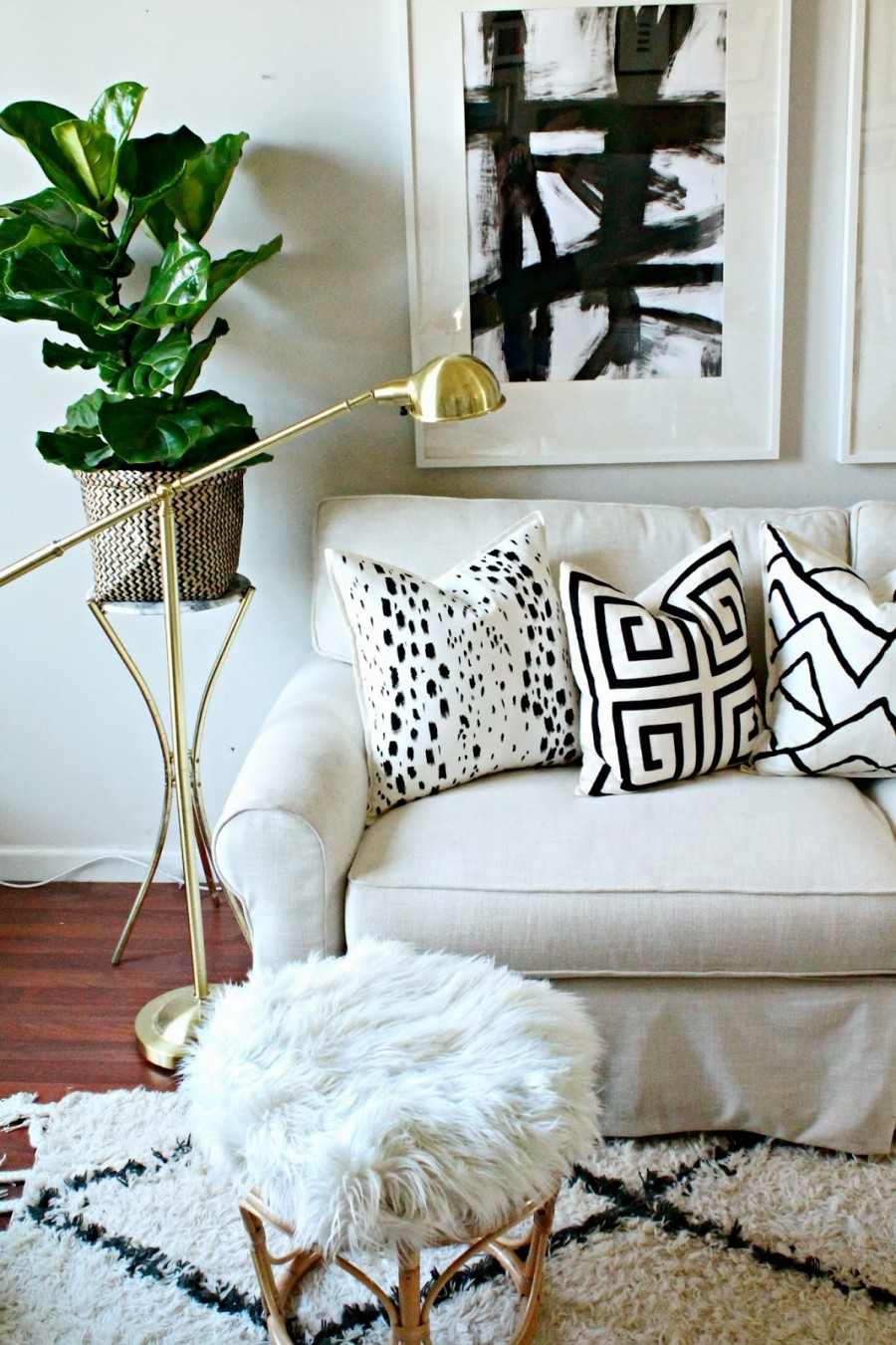 HOW TO KNOW YOUR STYLE- neutral furnishings with fabulous trendy accents-stonegableblog.com