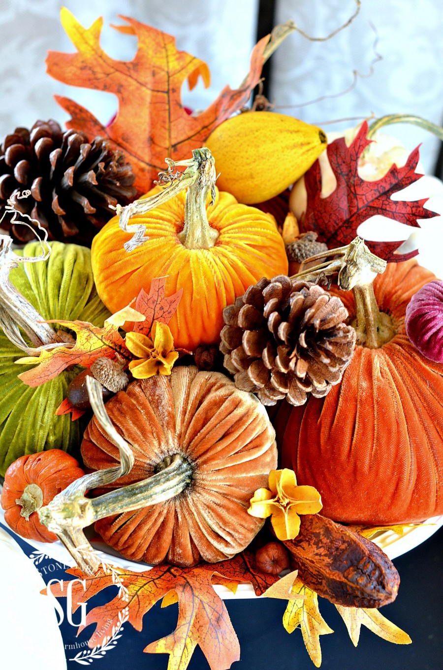 5 BEAUTIFUL WAYS TO STYLE PUMPKINS-1-pumpkins-on-pedestal-cake-plate- stonegableblog.com