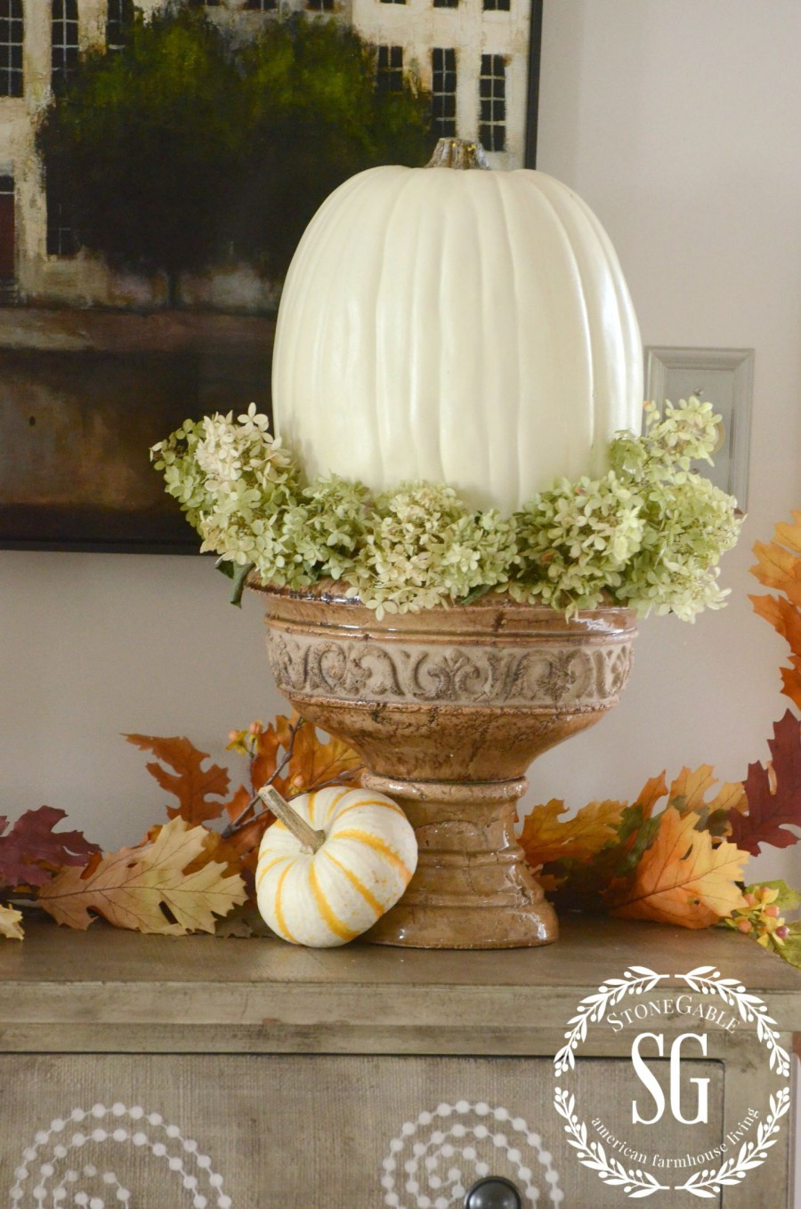 DECORATING WITH NATURAL FALL ELEMENTS-hydranges-white pumpkins-in-an-urn-stonegableblog.com