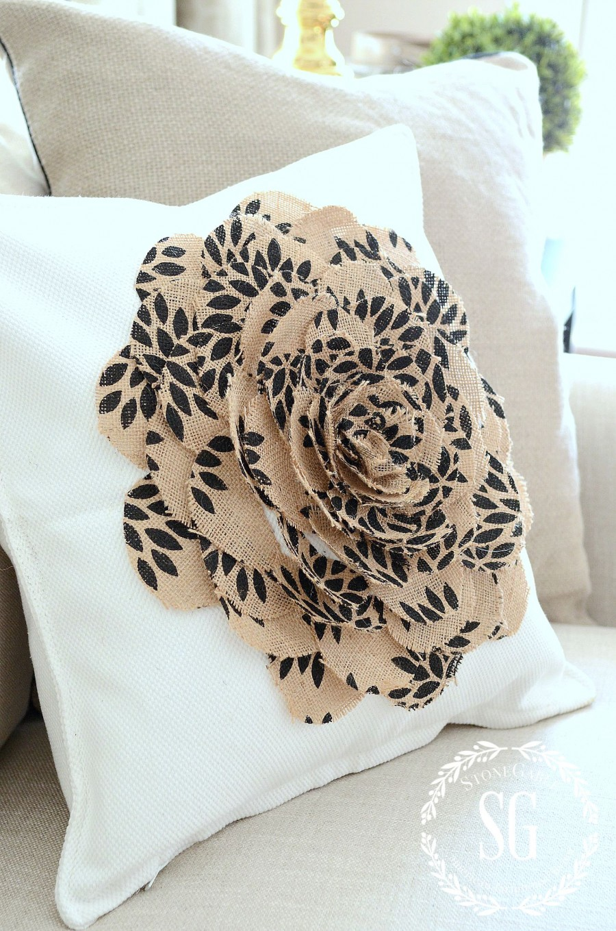 USING BURLAP IN DECOR- burlap-flower-pillow-stonegableblog.com