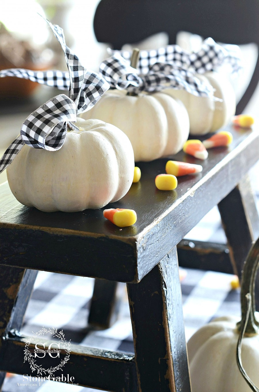 PERFECT PUMPKINS-5 great ways to celebrate with pumpkins-stonegableblog.com