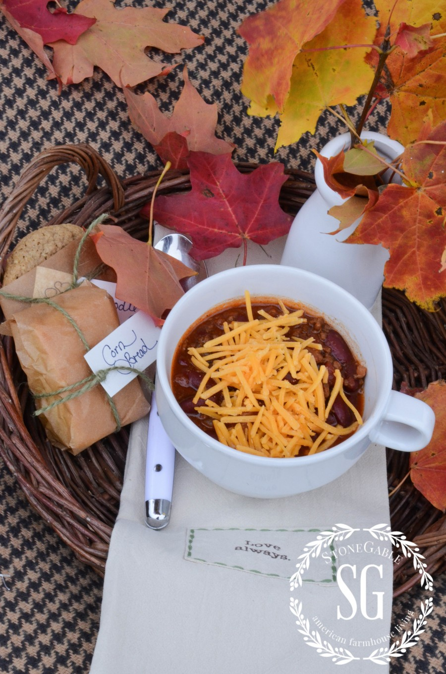 AUTUMN PICNIC in the leaves. Brilliant color and good food are a great mix for a Autumn picnic